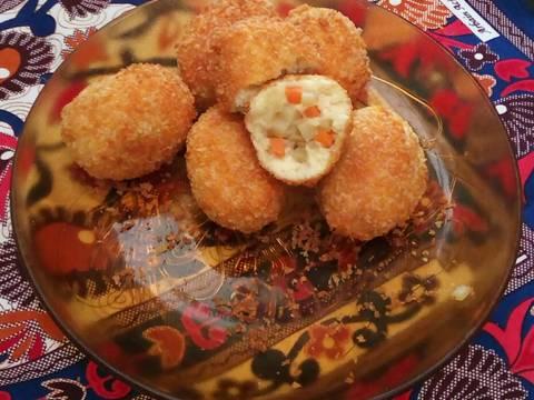 11. Roti Goreng isi wortel+kentang
