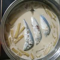 สายบัวต้มกะทิปลาทู