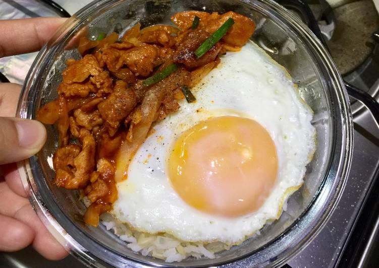 หมูผัดซอสเกาหลี(โคชูจัง)