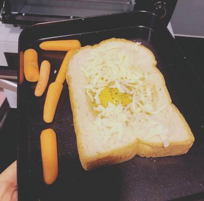 ขนมปัง ไข่ ชีส ทำง่ายๆแบบรีบเร่ง