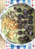 Overnight oatmeal Aojiru with grape
