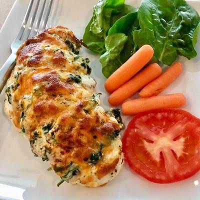ไก่ยัดไส้ผักโขมอบชีส