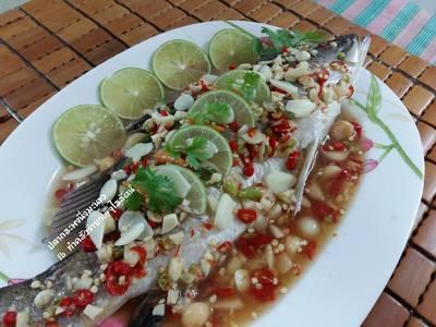 ปลากระพงนึ่งมะนาว โดย.ทำครัวง่ายๆbyจุไรรัตน์