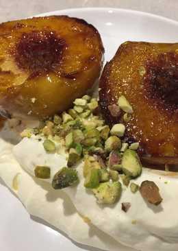 Grilled peach with fresh cream
