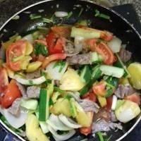 Bò xào rau củ