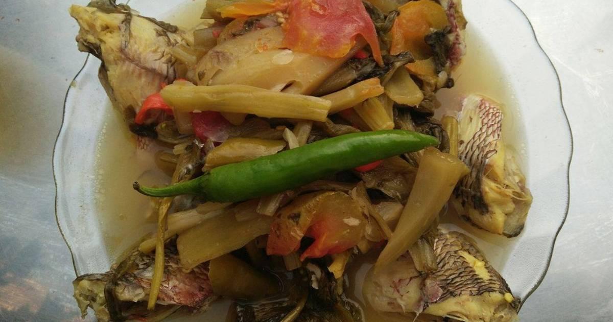 Cá diếc kho dưa cải