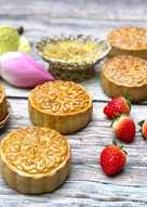 Bánh Trung Thu Nhân Đậu Xanh Sầu Riêng Trứng Muối