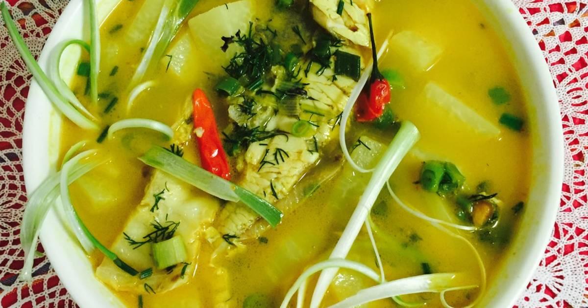 Canh chua cá nấu với xu hào