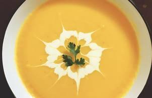 Soup bí đỏ (pumpkin soup)