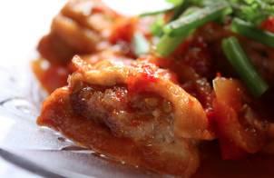 Đậu hũ (đậu khuôn/đậu phụ) nhồi thịt sốt cà chua