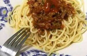 Mỳ Spaghetti bò bằm nhanh gọn sau ngày làm việc