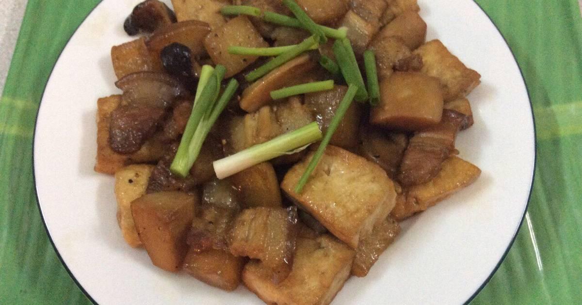Củ cải kho đậu phụ và thịt ba chỉ