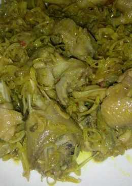 Thịt gà kho nghệ