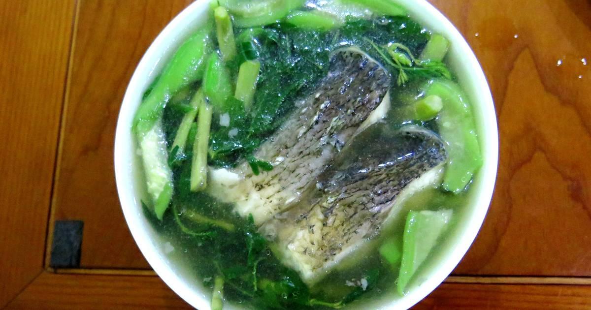 Canh cá nấu rau rút, mướp, rau ngót