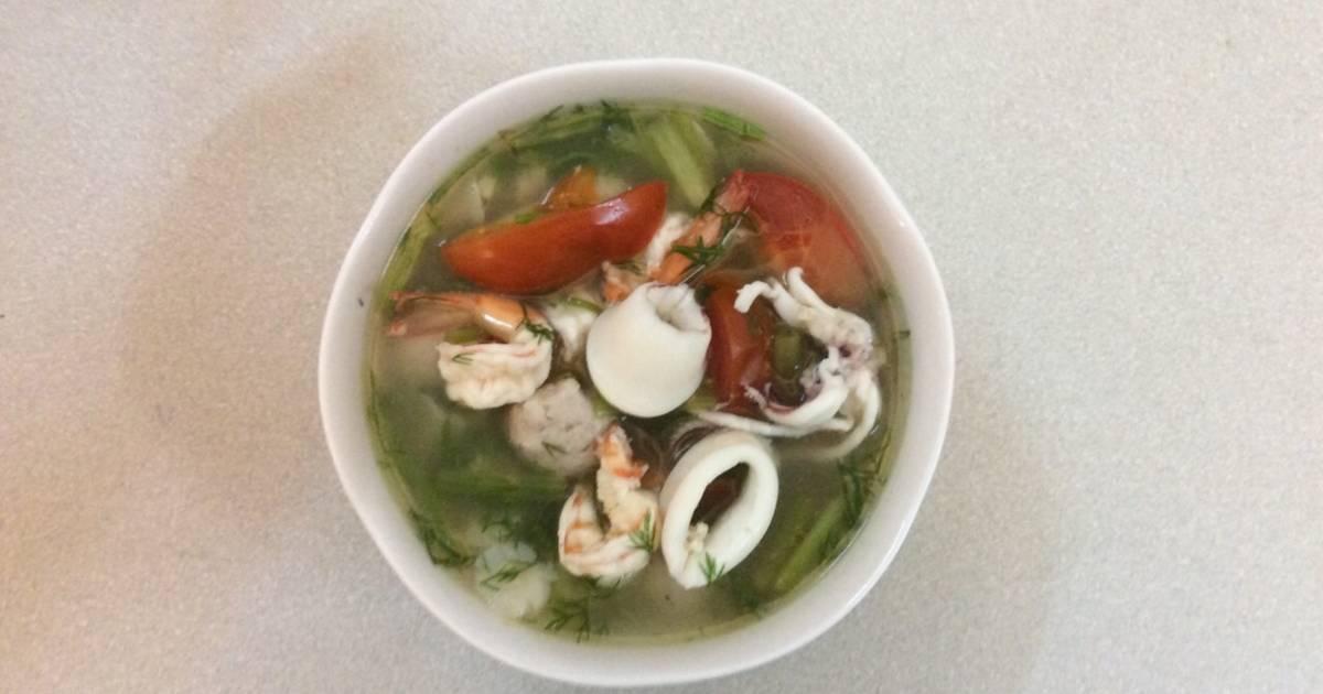 Canh hải sản với rau cần