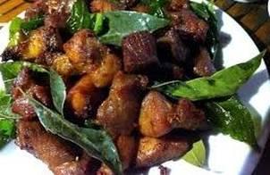 Thịt xiên nướng lá mắc mật