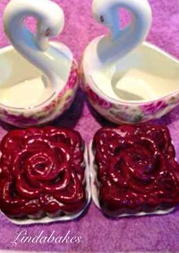 Red velvet moon cakes ( Bánh nướng nhân chocolate - Rum - nho)