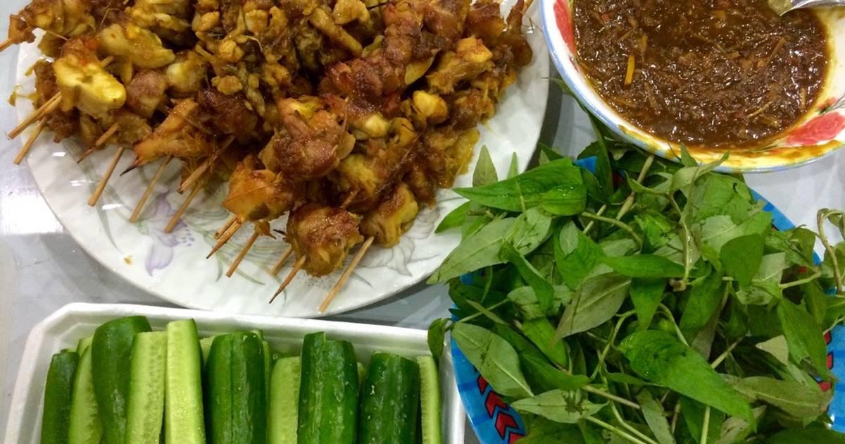 Thịt gà nướng xiên que ngũ vị (riềng sả nghệ tắc dứa hành)