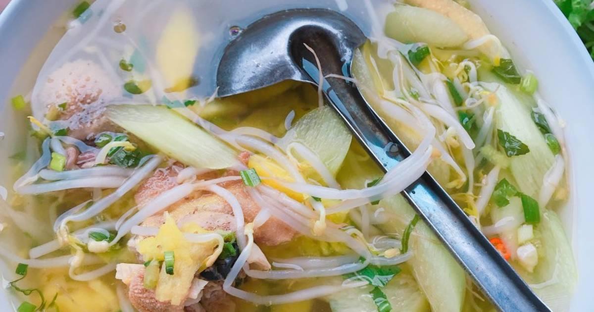 Canh chua gà nấu thơm