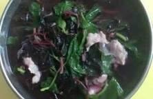 Canh rau tập tàng nấu thịt