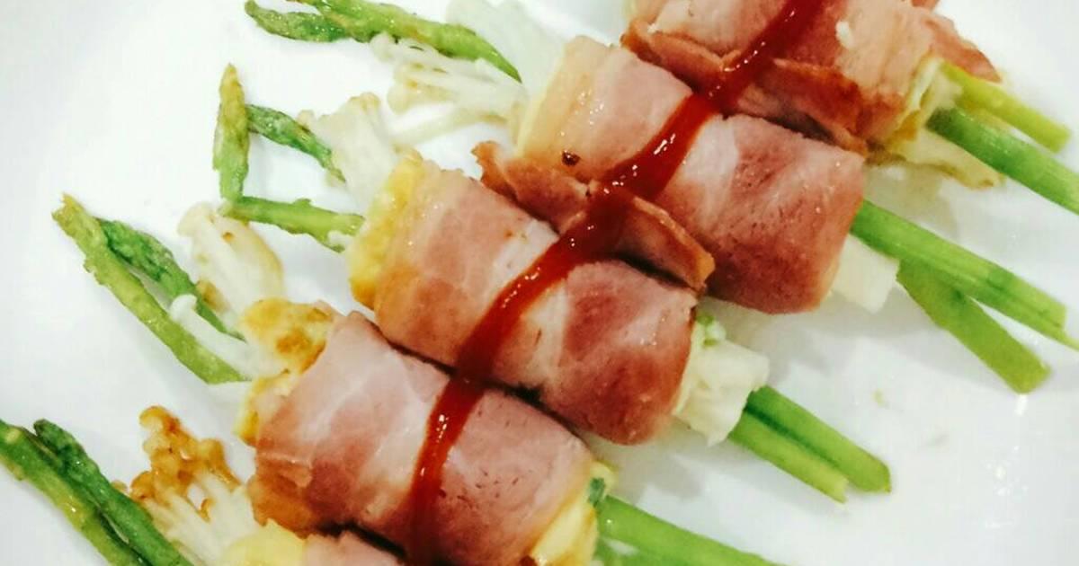 Thịt xông khói cuộn măng tây