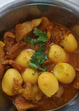 Thịt kho trứng cút cà ri sả ớt