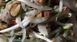 Hình ảnh món Nộm thịt lợn hành Tây giá đỗ chua thanh ngày oi nóng