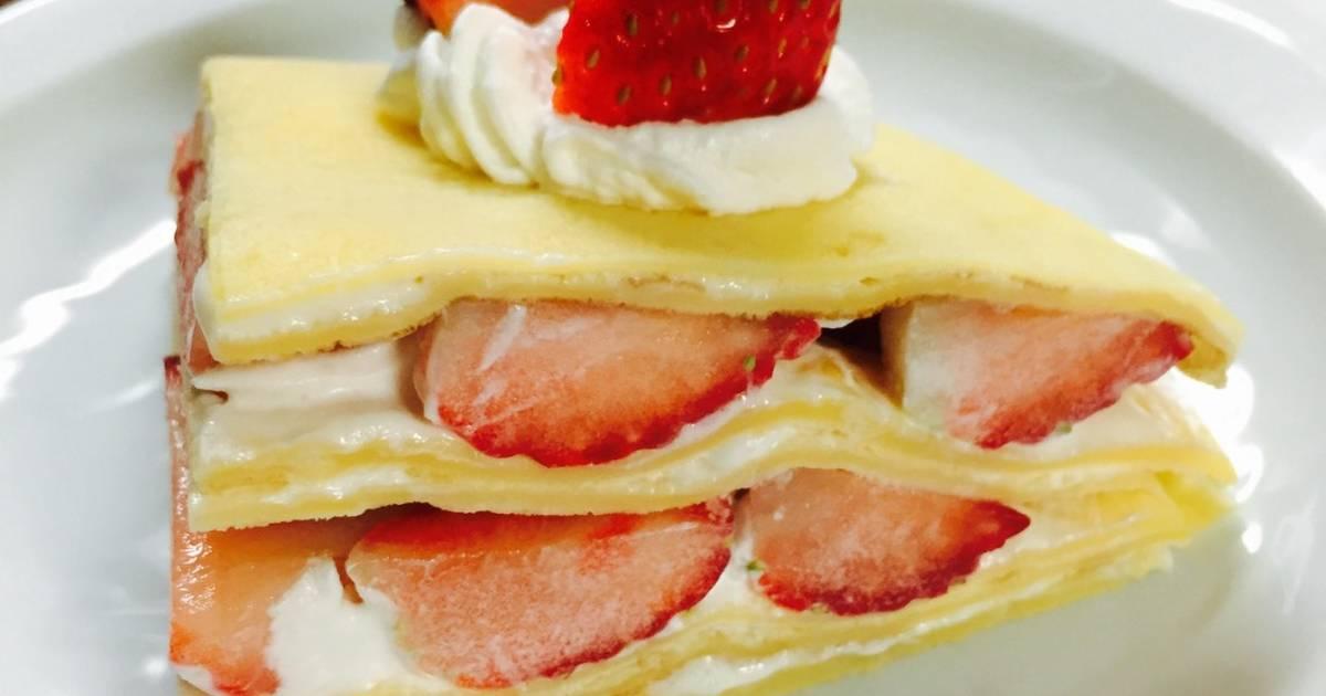 Bánh crepe nhân dâu đơn giản đẹp mắt mừng sinh nhật