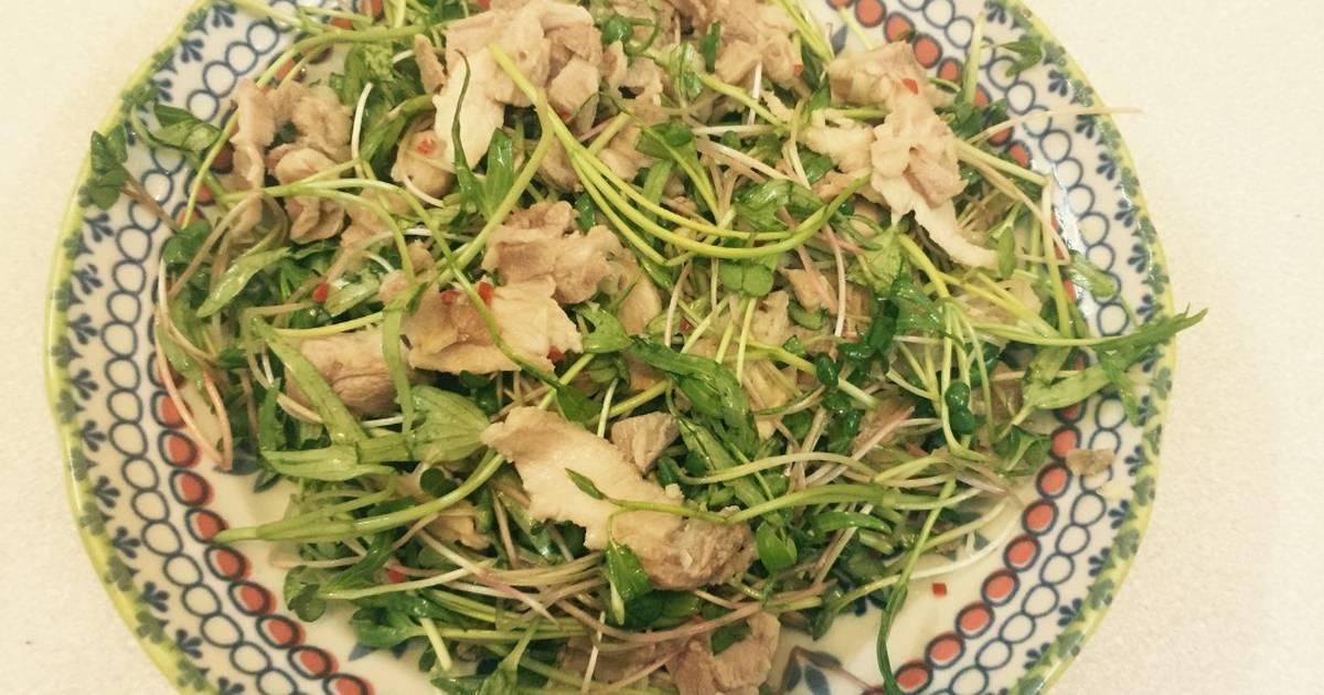 Salad rau mần và thịt hấp