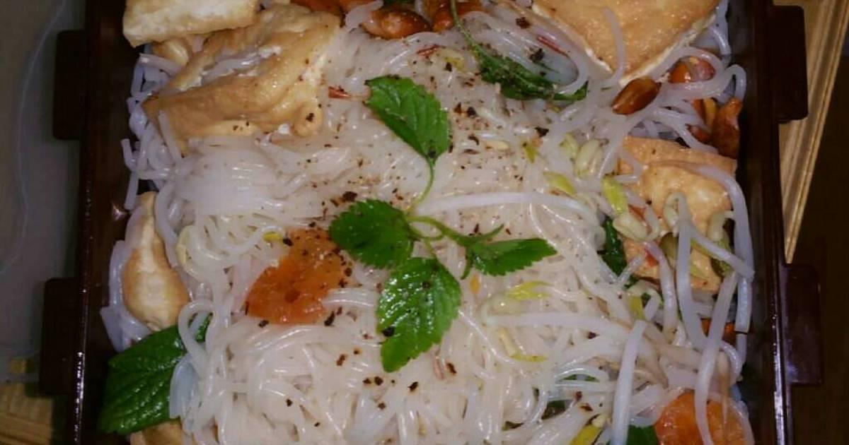 Bún trộn hải sản chua cay