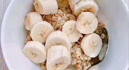 Hình ảnh món Eatclean_giảm cân Yến mạch mix chuối cho bữa sáng