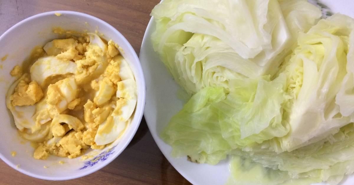 Bắp cải luộc chấm nước mắm trứng dằm