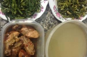 Rau muống 3 món và gà chiên nước mắm thơm ngon