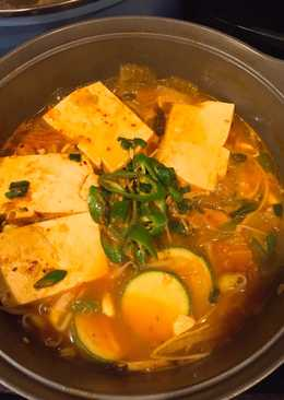 Canh kimchi