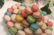 Bánh Macarons bảy sắc cầu vồng