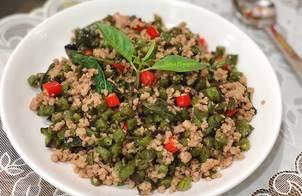 Thịt heo xào đậu cô ve kiểu Thái-Thai pork, green bean stir fry