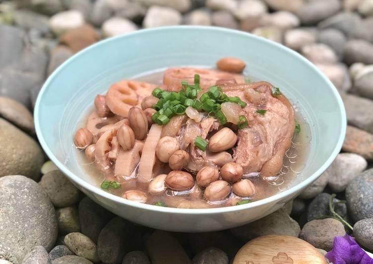 Kết quả hình ảnh cho Canh giò heo nấu đậu: