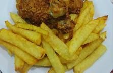 Gà rán khoai tây chiên