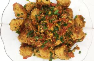 Thịt băm viên chiên sốt cà chua đơn giản thơm ngon