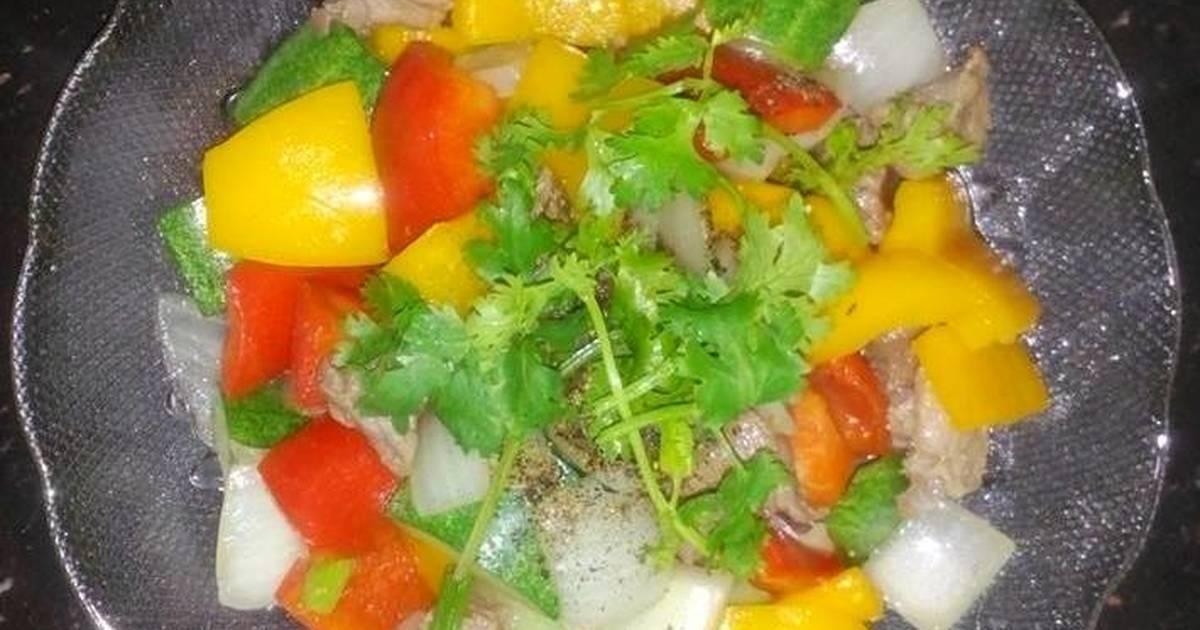 Thịt đà điểu xào ngũ sắc (ớt chuông xanh, đỏ, vàng, dưa leo, hành tây)