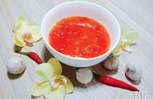 Tương ớt chua ngọt dùng với gà chiên, gà rán