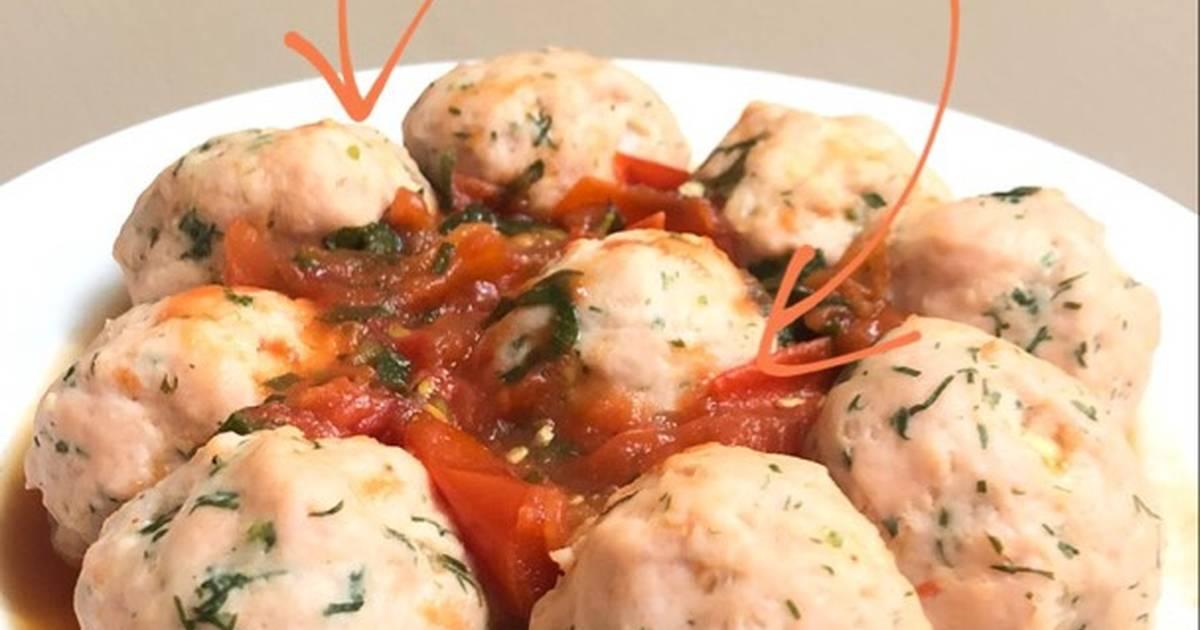 Giò sống sốt bọc trứng cút sốt cà chua
