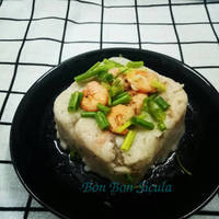 Bánh khoai môn tôm thịt kiểu Hoa