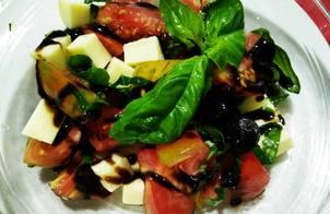 Salad Cà Chua Mozzarella