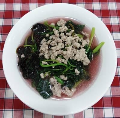 Canh rau dền nấu thịt băm