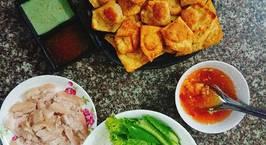 Hình ảnh món Hoành thánh chiên xúc xích và bún thịt luộc nước mắm chua ngọt