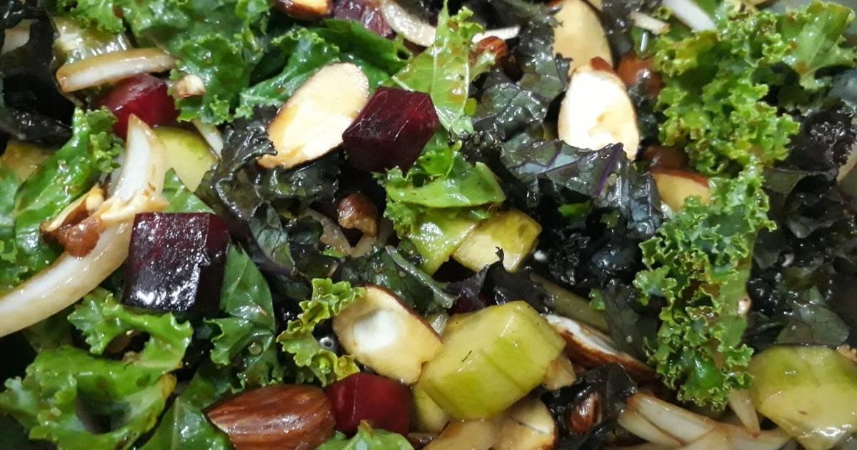 Salad cải xoăn (Kale Salad)