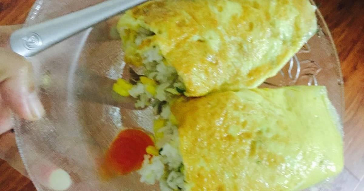Cơm chiên gà và ngô ngọt cuộn trứng....!