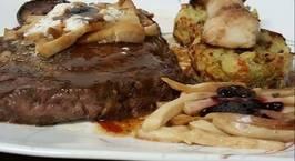 Hình ảnh món Món steak, bông cãi nướng và nấm sò