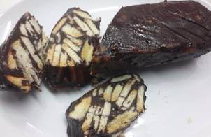 Xúc xích socola (bánh quy socola)